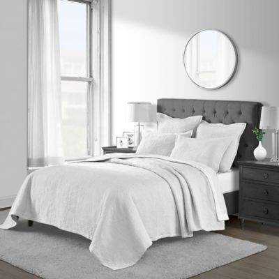 Bed Bath & Beyond Emerson Matelasse Twin Coverlet Set in White