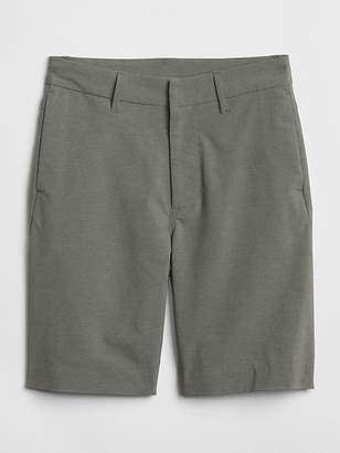 Gap Hybrid Shorts in Stretch