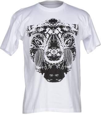 Hilton T-shirts - Item 37837672