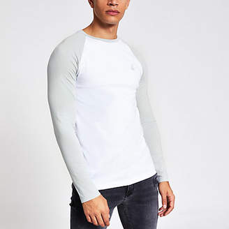 River Island White R96 raglan muscle fit T-shirt