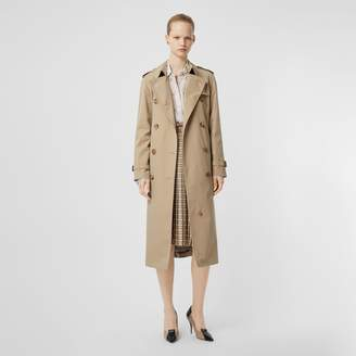 Burberry The Waterloo Trench Coat