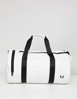 Fred Perry Twin Tipped Barrel Bag in White
