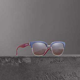 Burberry Check Detail D-frame Sunglasses