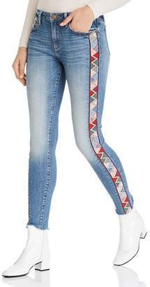 60374a69f35 Aqua Embroidered Frayed Skinny Jeans in Light Wash - 100% Exclusive