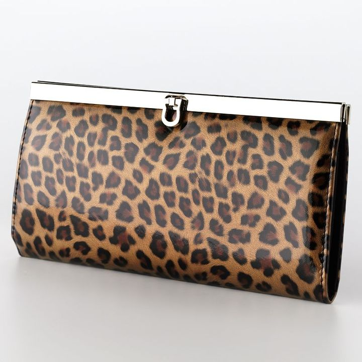 Apt. 9® bar harbor leopard clutch