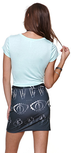Kirra Fitted Cropped Solid Tee
