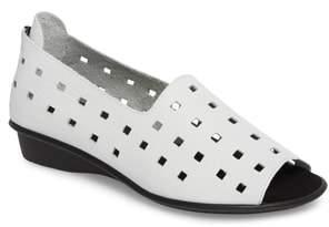 Sesto Meucci 'Evonne' Cutout Open-Toe Flat