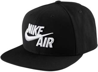 Nike Pro Classic Snapback Cap