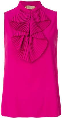 No.21 ruffle bib sleeveless blouse