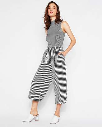 Express Petite Mid Rise Striped Culottes