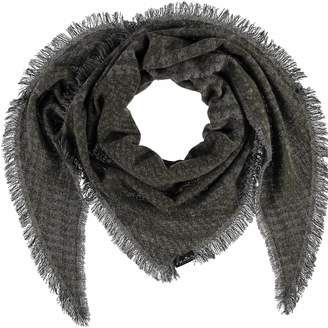 Fraas Us Houndstooth Wool Blend Triangle Scarf