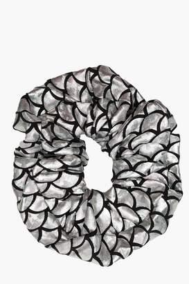 boohoo Metallic Mermaid Scrunchie