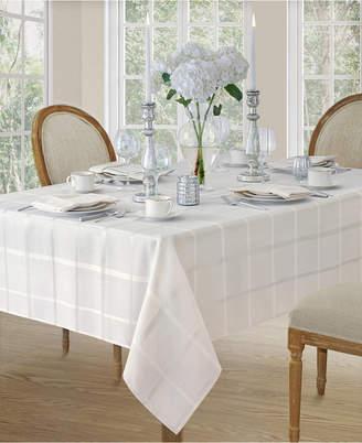 "Elrenene Elegance Plaid White 60""x 84"" Oval Tablecloth"