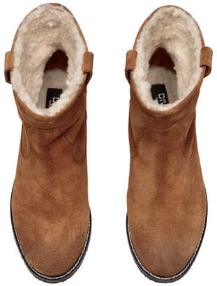 H&M Warm Lined Suede Boots - Beige