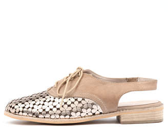 Django & Juliette Anabel Champagne-latte Shoes Womens Shoes Casual Flat Shoes