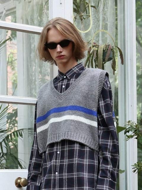 [UNISEX]Stripe Crop Knit Vest Gray