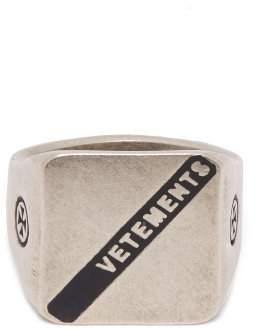 Vetements Logo Silver Signet Ring - Womens - Silver