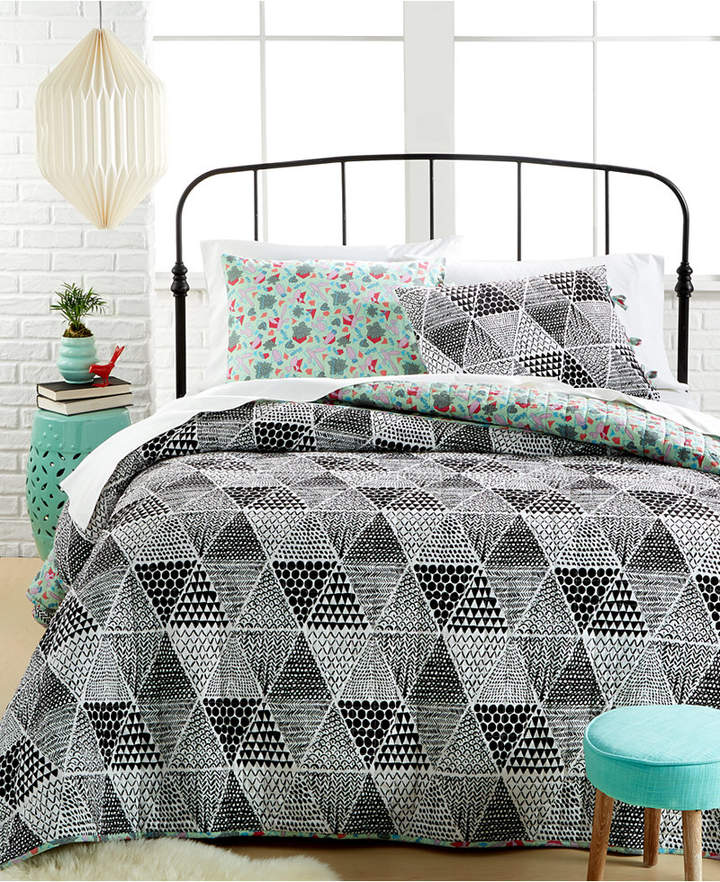 Ellery Homestyles Closeout! Katkow 3-Piece King Quilt Set Bedding