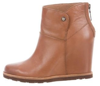 UGG Australia Amal Ankle Boots w/ Tags $95 thestylecure.com