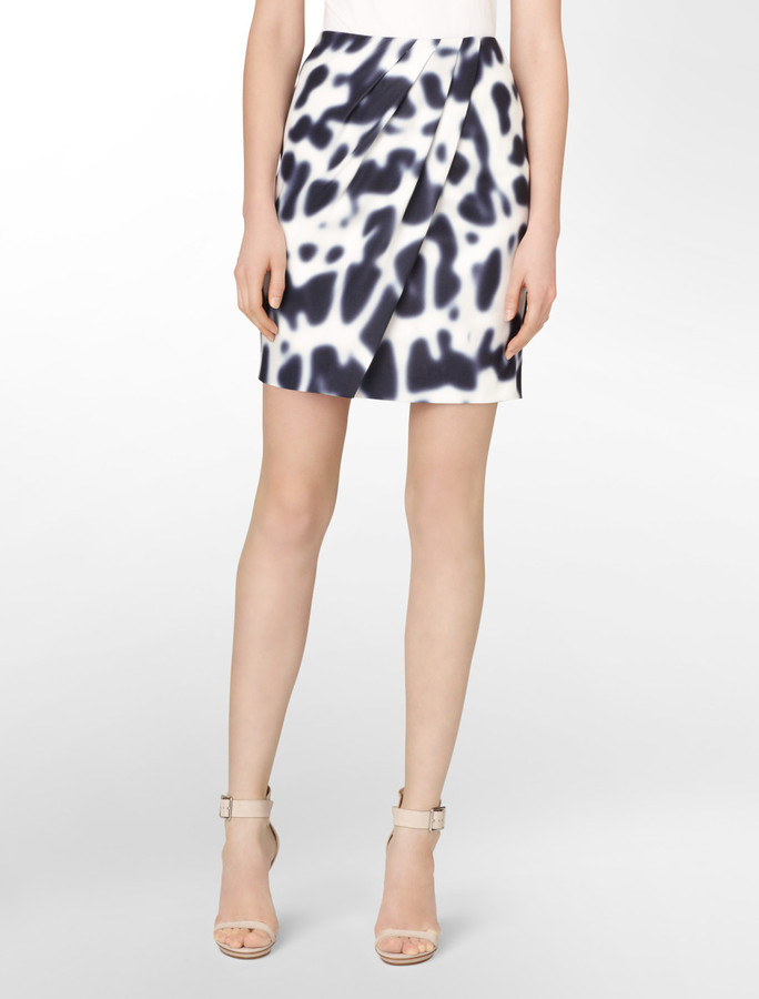 Blurred Abstract Print Wrap Skirt
