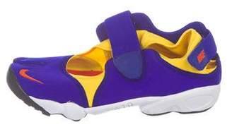Nike Rift OG QS Low-Top Sneakers