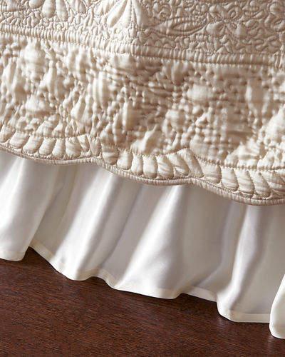 Tudor King Dust Skirt