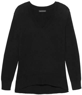 Banana Republic Petite Supersoft Cotton Blend Boyfriend V-Neck Sweater