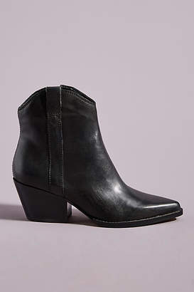 Dolce Vita Serra Ankle Boots