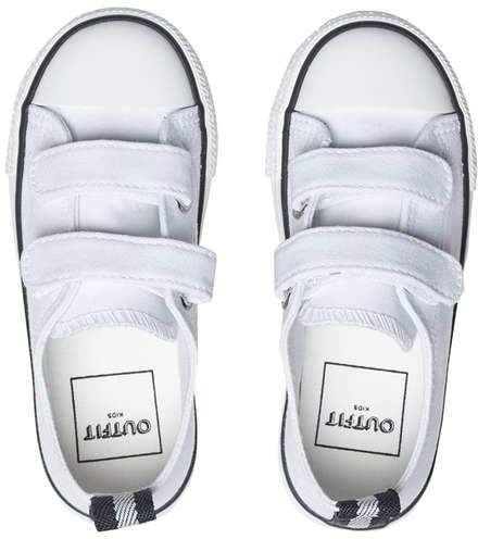 **Boys White Canvas Low Top Trainers (18 months - 6 years)