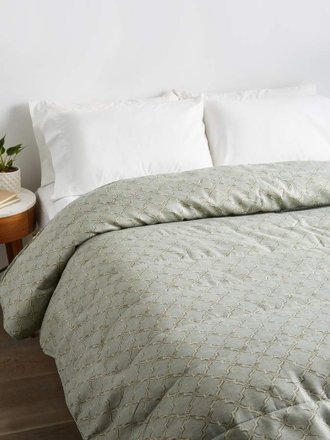Exquisite Hotel Collection Iconic Printed Down Alternative Comforter