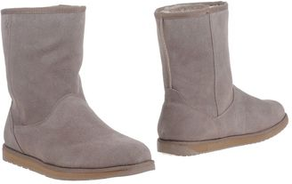 EMU Ankle boots $119 thestylecure.com