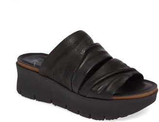 OTBT Weekend Platform Slide Sandal