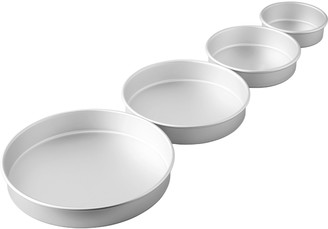 Wilton 8-piece Bake-Even Strips & Round Cake Pan Set