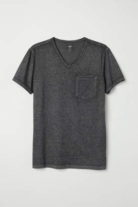H&M T-shirt with Raw Edges - Black