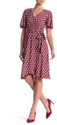 Donna Morgan Geo Print Wrap Dress