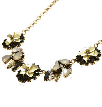 Oasis SEQUIN FLOWER NECKLACE