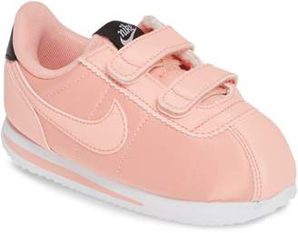 new product 305fe 671ae Nike Cortez Sneaker