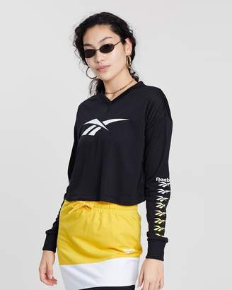 Reebok Classics Vector Long Sleeve Cropped Top