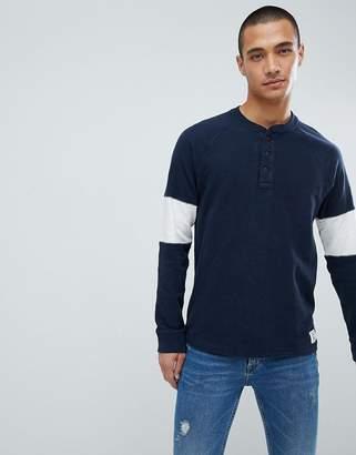 Abercrombie & Fitch Varsity Raglan Henley Lightweight Sweatshirt Sleeve Band in Navy/Gray