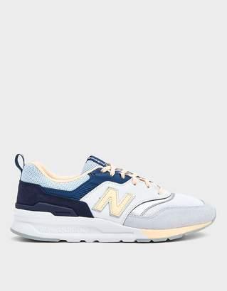 New Balance 997 Sneaker in Beige