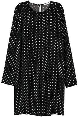 H&M Dress with Pleats - Black