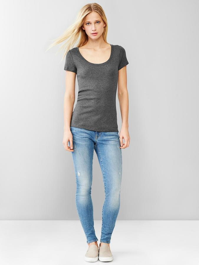 Gap Favorite short-sleeve scoop tee