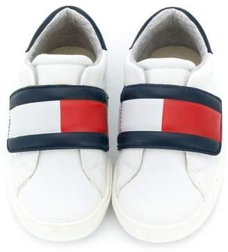 82c3b7c2910f Tommy Hilfiger Junior logo colour-block sneakers