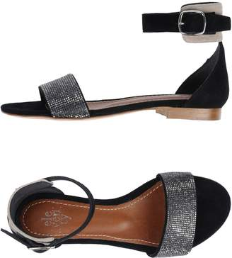 Eleventy Sandals