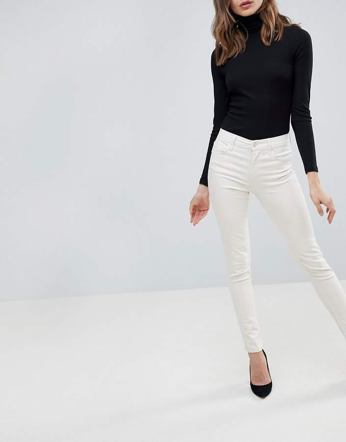 – Rebound – Enge Jeans