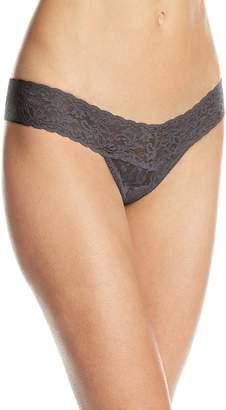 Hanky Panky Women's Signature Lace Low Rise Thong Thongs