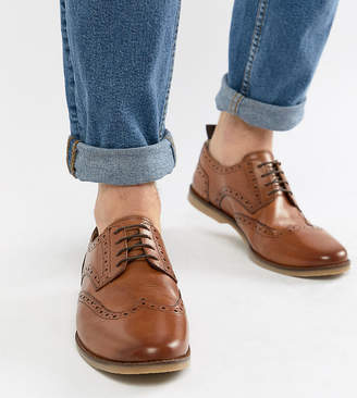 Asos Design DESIGN Wide Fit causal brogue shoes in tan leather with gum sole
