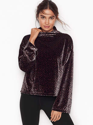 Victoria Sport Slouch Pullover
