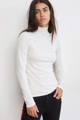Velvet by Graham & Spencer TALISIA GAUZY WHISPER FITTED MOCK NECK TEE
