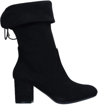 Xti Ankle boots